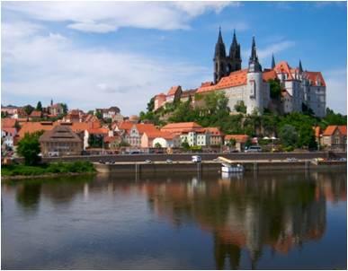 Castle-on-river